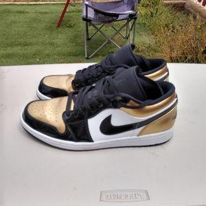 Nike Air Jordan 1 Low Gold-Toe